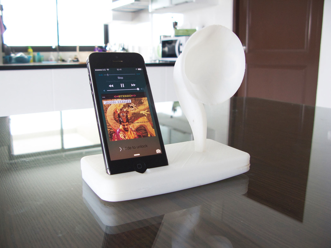 3D Printed iPhone Dock Design